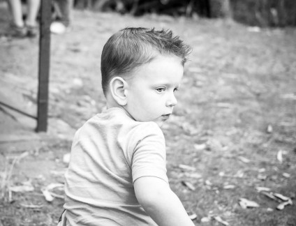 VivaStudio_Photography_with_Little_Boy_Fletcher_Portraits_Brisbane_001-bw